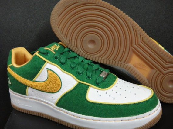 nike-air-force-1-5-boroughs-queens-1-570x427